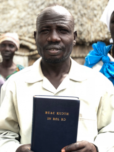 Bibles for South Sudanese refugees in Ethiopia